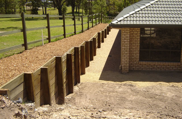 Modern Timber Retaining Wall Ideas Images